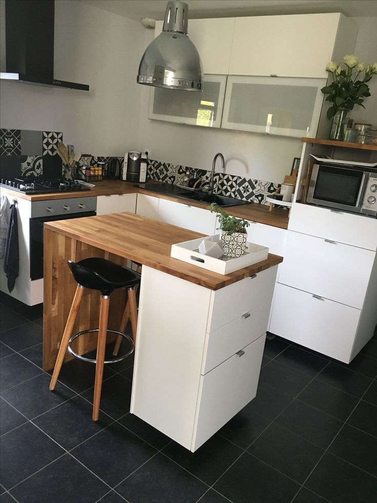 Kitchen Central: Small kitchens #central #kitchen #small #cakes