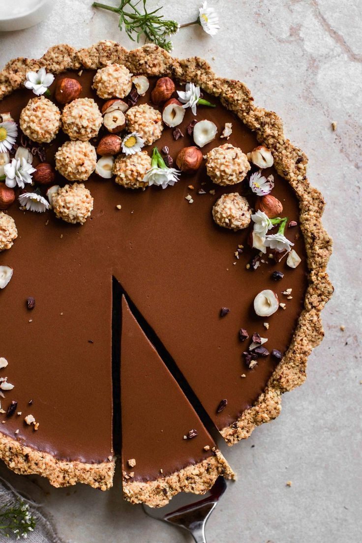 Delicate chocolate tart – Flowers in the Salad