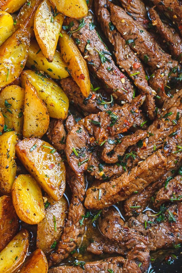 Garlic Butter Steak and Potatoes Skillet – This easy one-pan recipe is SO simple…