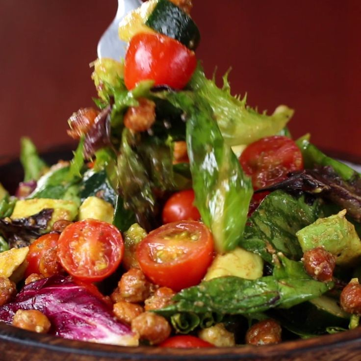 Salad with Grilled Chickpeas – Roasted Chickpea And Avocado Salad