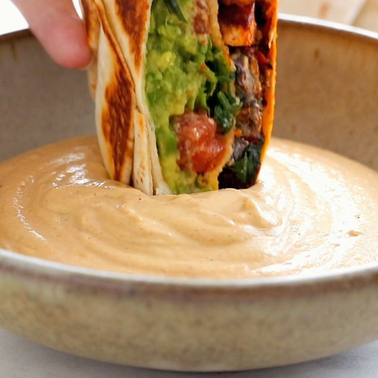 This vegan crunchwrap is INSANE! Stuff this bad boy with whatever you like – I m…