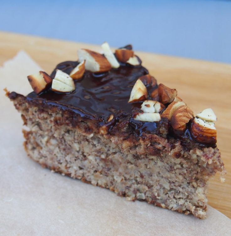 Healthy hazelnut cake without sugar and without flour