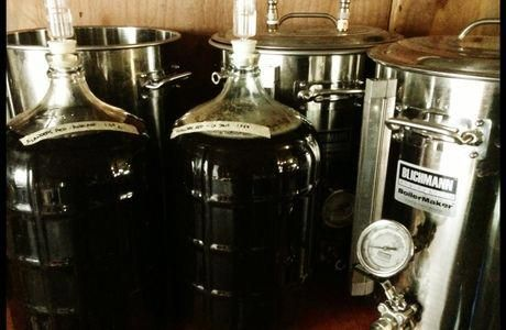 Hundreds of easy to find home-brew recipes in a very easy to use format. Perfect…